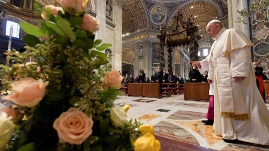 El papa Francisco, en la misa de este domingo de Pascua en el Vaticano.