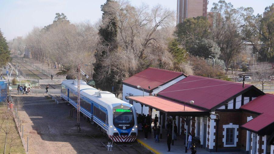 0406_tren del valle