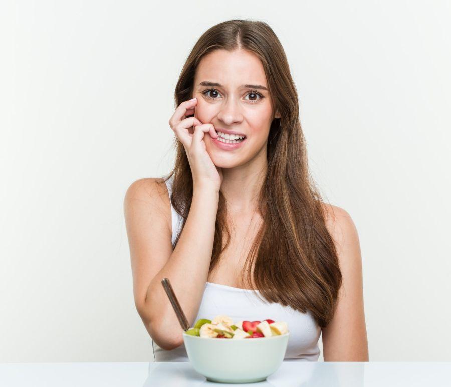 El hambre emocional está relacionado con el consumo y abuso de alimentos azucarados y dulces procesados.