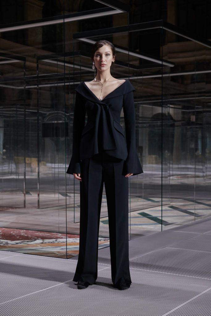 Con líneas arquitectónicas y elegantes, Fendi devela una colección