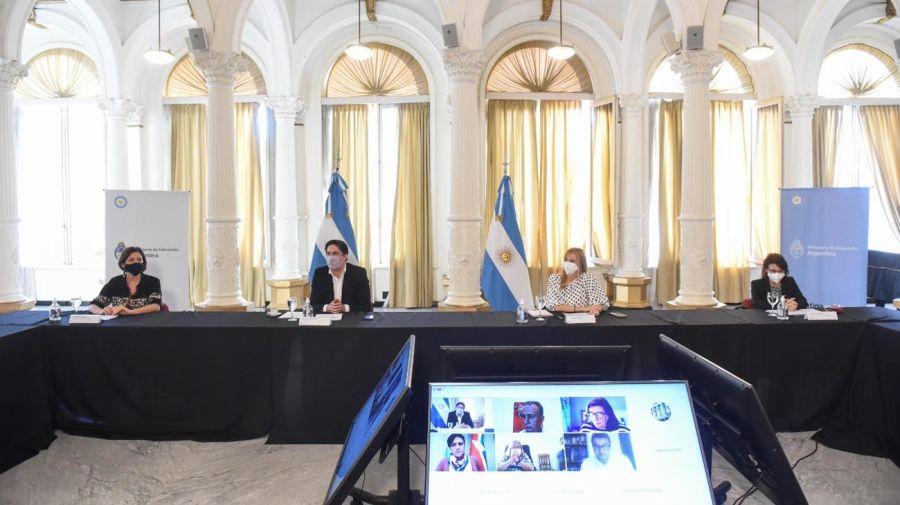 Reunión Ministro de Educación, Salud, expertos y pediatras por presencialidad escolar 20210414