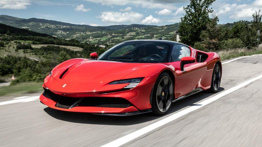 Ferrari adelanta el lanzamiento de su primer modelo ciento por ciento eléctrico