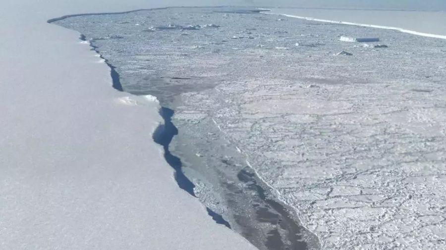 0420_iceberg A68