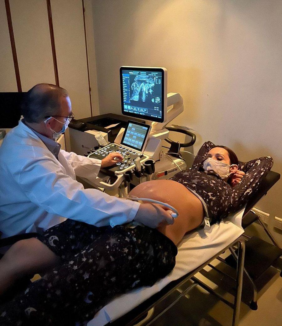 Pampita y Roberto García Moritán en un nuevo control de su beba en camino