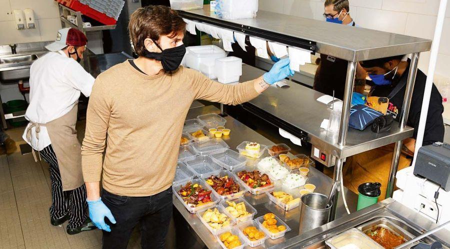 Roberto García Moritán cerró uno de sus restaurantes por un brote de coronavirus