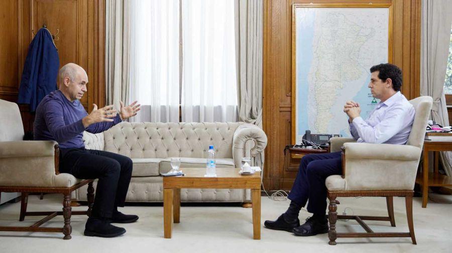 Cumbre. El jefe de Gobierno aceptó la invitación de Wado De Pedro.