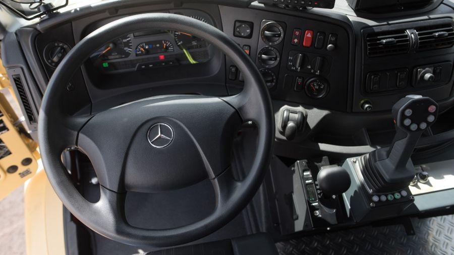 La Fuerza Aérea Argentina incorporó camiones Zetros de Mercedes-Benz