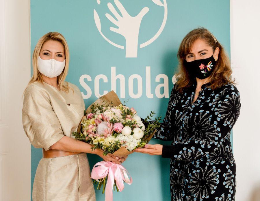 Fabiola Yáñez, en Portugal, visitó una sede de Scholas Ocurrentes