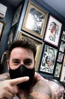 Fede Bal mostró su gigantesco tatuaje que va desde su nuca hasta su cola