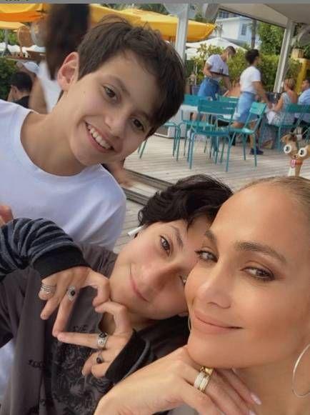 Jennifer Lopez y sus hijos