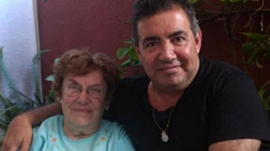 Diego Pérez y su mamá 0516