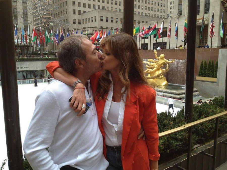 Adriana Salgueiro se casa con el productor Alejandro Arellano tras 25 años juntos