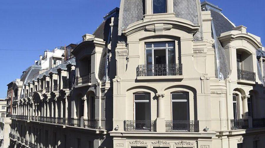 Silvina Luna vende su lujoso departamento en el Palacio Raggio
