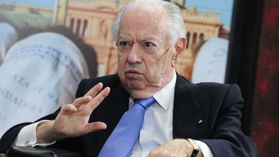 Carlos Corach, en la entrevista con Jorge Fontevecchia.