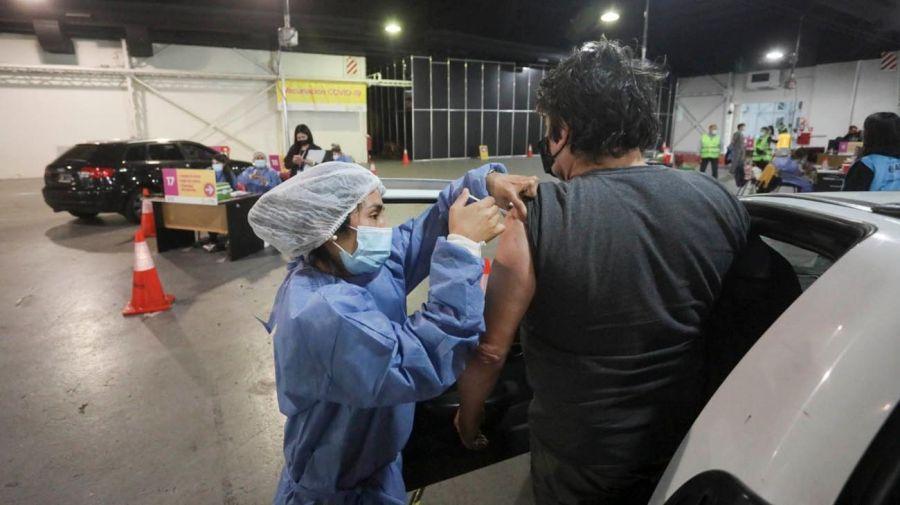 Centro de vacunacion vehicular de Costa Salguero 20210602