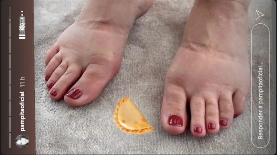 Pampita mostró como la retención de líquido afecta a sus pies