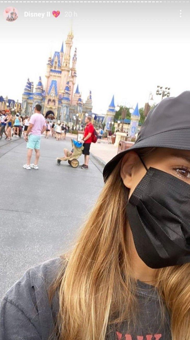 Mica Tinelli viajó a Disney con su novio Lisandro López