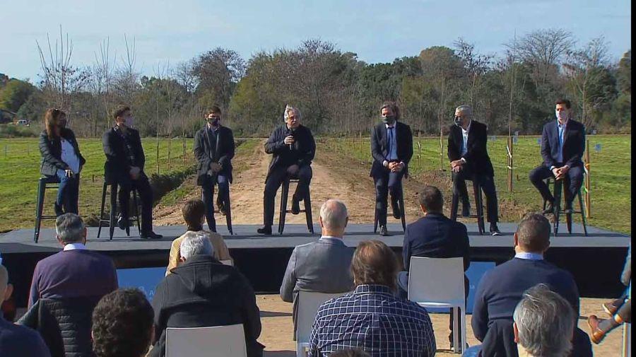 El presidente anunció inversiones en obras de urbanización y créditos para viviendas 20210608