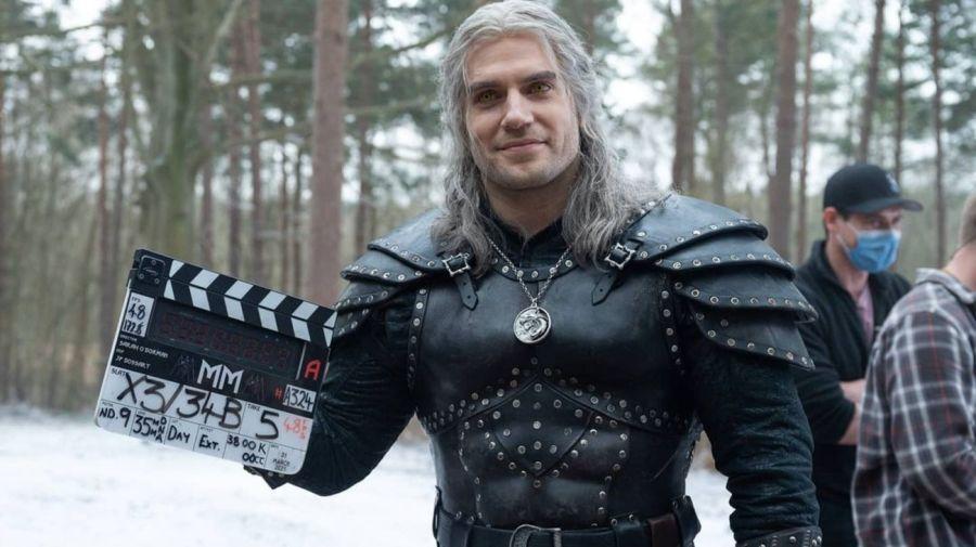Herny Cavill como Geralt de Rivia en The Witcher