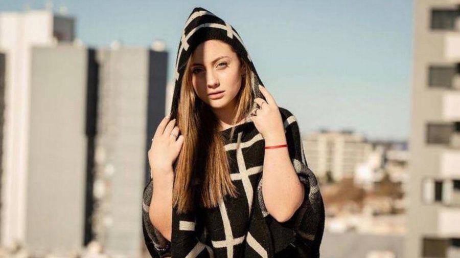 Conoce a Yas Gagliardi, la joven artista que cantó junto a Lali Esposito, Tini Stoessel, y Ricky Martin