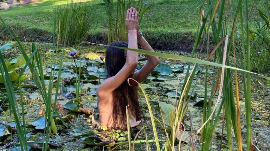 Juana Viale sensual laguna