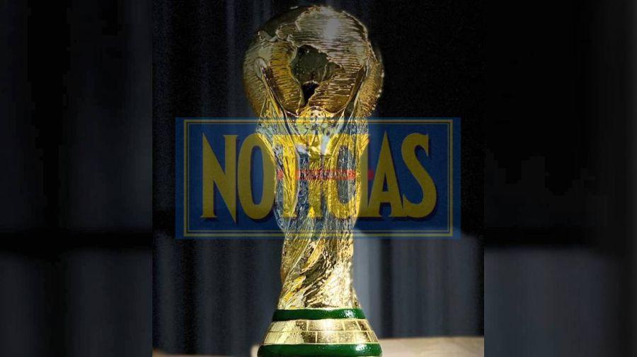 Réplica del trofeo mundialista.
