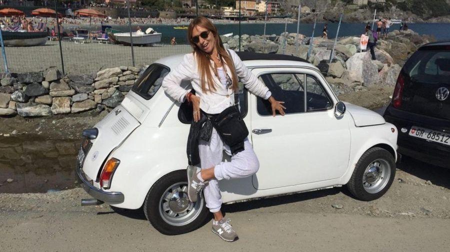 Gladys Florimonte auto viejo