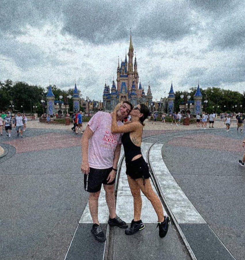 Las vacaciones de la China Suárez en Disney y el recuerdo junto a su hermano