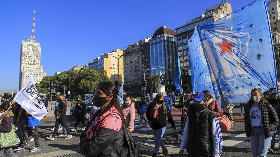 Organizaciones sociales se manifestaron en la sede del Ministerio de Desarrollo Social. 20210618