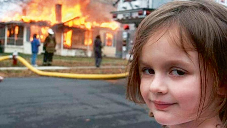"El meme ""Disaster girl""."