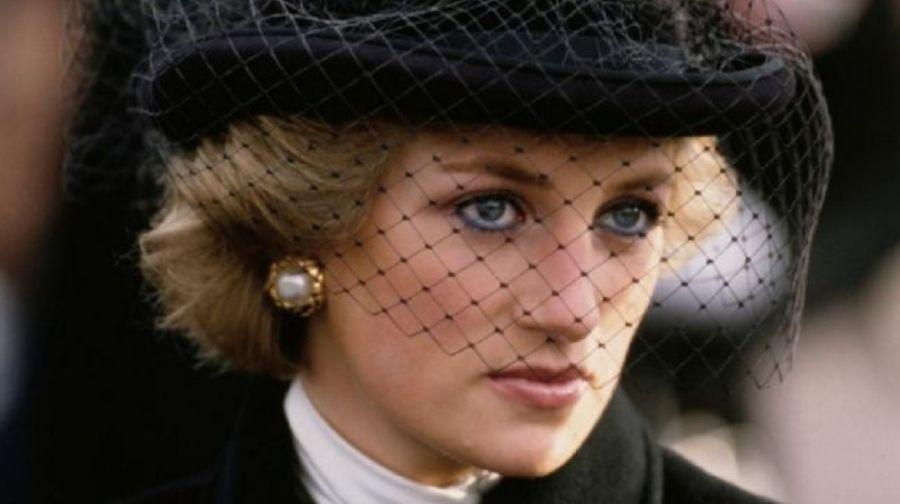 Interrogaron en secreto al príncipe Carlos por la muerte de Diana
