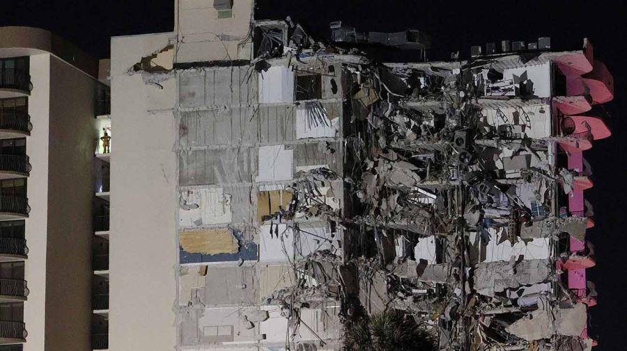 derrumbe edificio en Miami 20210624