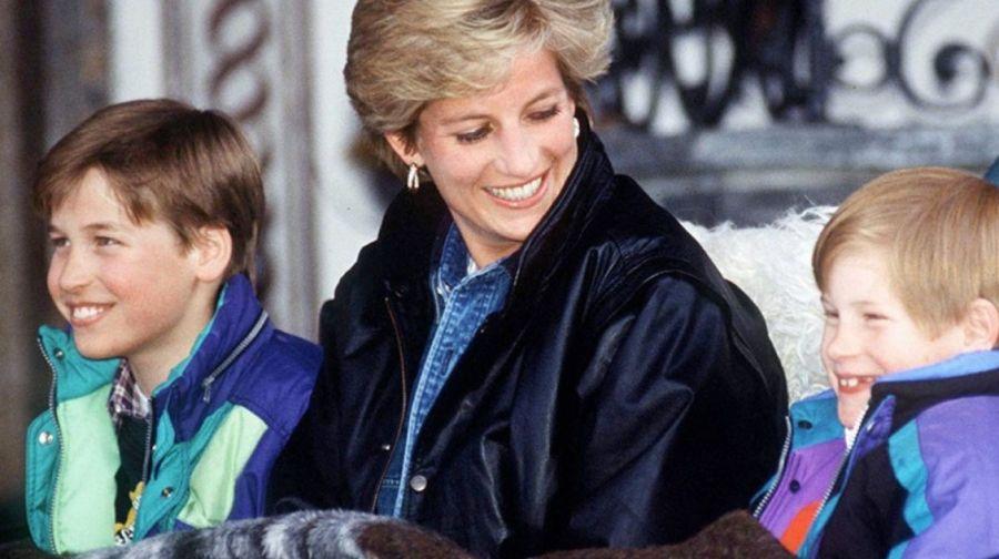 Guillermo y Harry fueron obligados a reducir la lista de invitados en la inauguración de la estatua de Lady Di