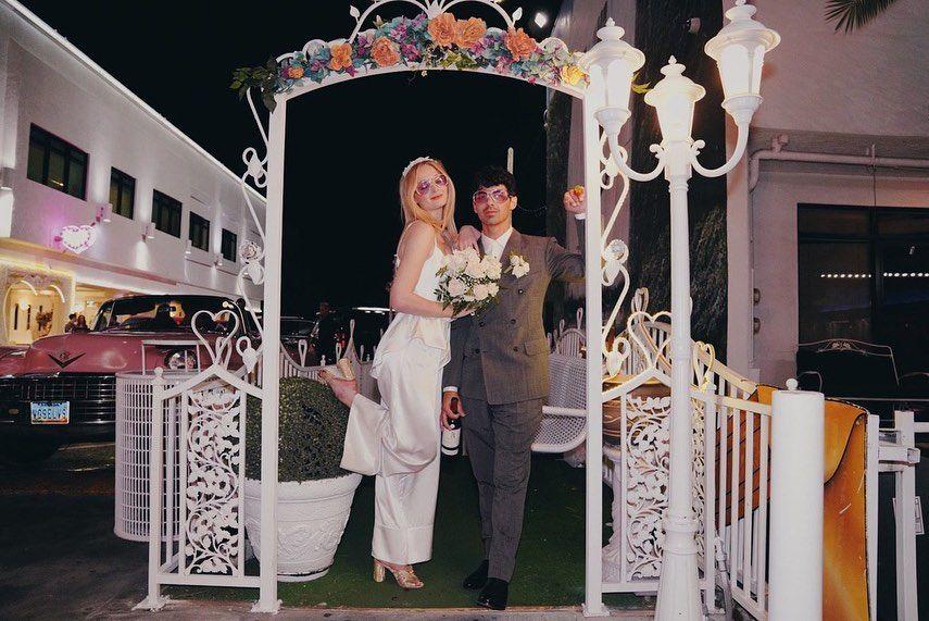 Sophie Turner y Joe Jonas compartieron las fotos inéditas de su boda
