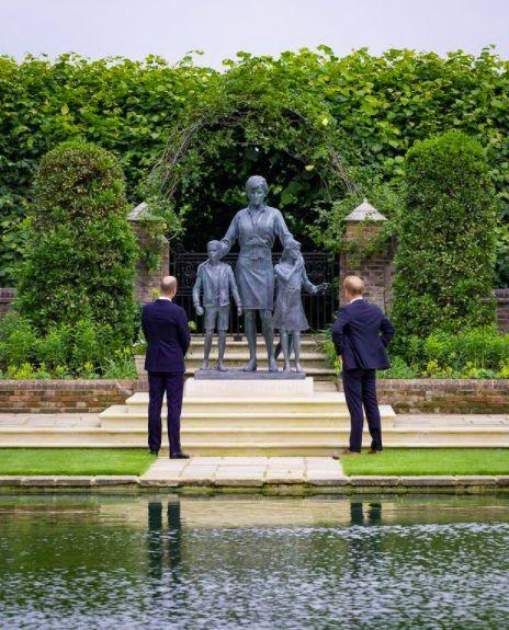 El esperado reencuentro de William y Harry en el homenaje a Lady Di