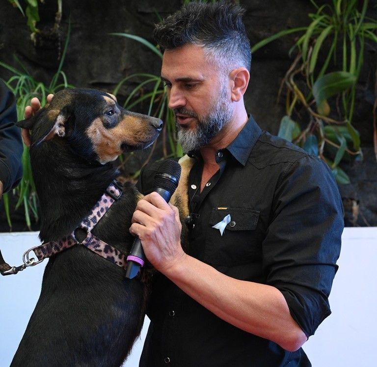 El 21 de junio Leo debutó con ¡Es domingo! Estamos a tiempo, que va de 15 a 19 y que incluye actualidad y adopción de mascotas