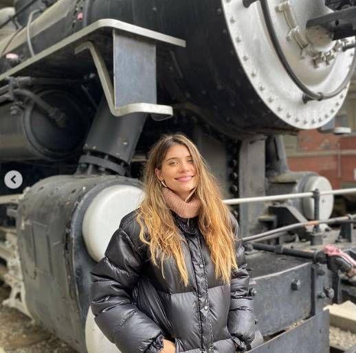 Eva de Dominici mostró una tierna foto y mostró el look canchero de Cairo para el frío