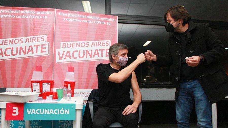 Máximo Kirchner vacunado contra el Covid-19 junto a Nicolás Kreplak