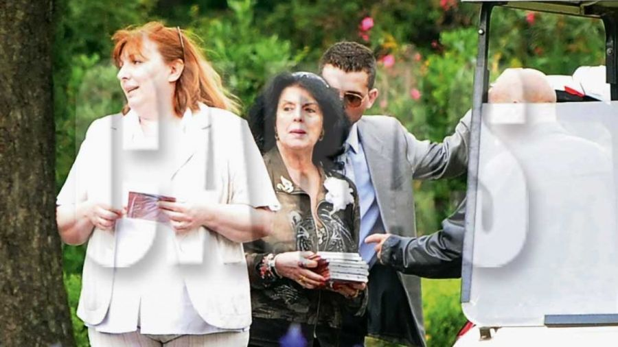 Marta Fort en el funeral de Ricardo Fort 0507