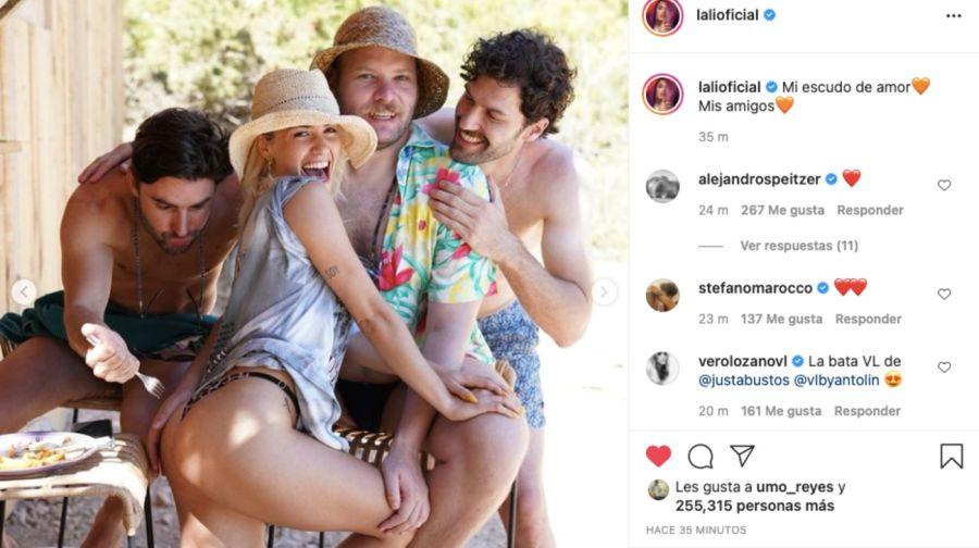 Lali Espósito viajó a Ibiza con amigos y compartió fotos en topless