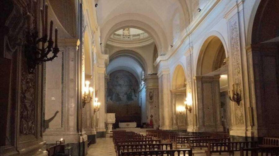 El interior de la Basílica.