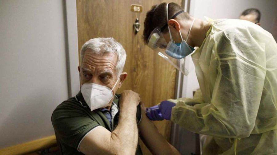 Vacunación contra el Covid-19 en Tailandia y en Canadá-20210713