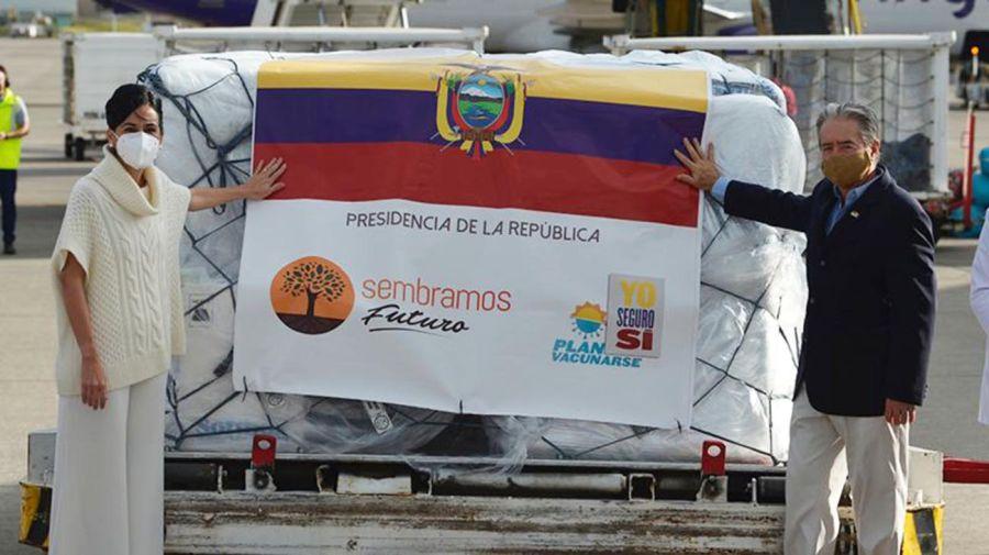 gente vacunándose en Ecuador 20210720