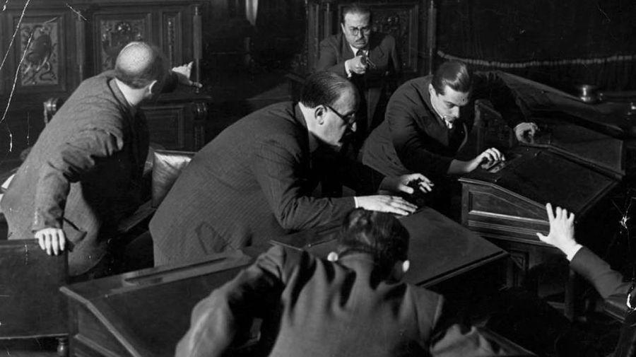 Asesinato de Enzo Bordabehere en el Senado en 1935-20210721