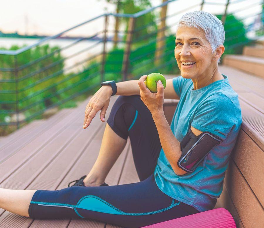 Después de los 40, cuando las hormonas empiezan a flaquear, es bueno cuidar la alimentación y seguir hábitos que aumenten la vitalidad.