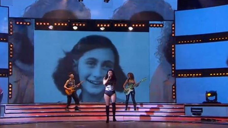 Ana Frank en un video de Showmatch