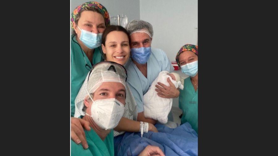 El nacimiento de Ana la hija de Pampita