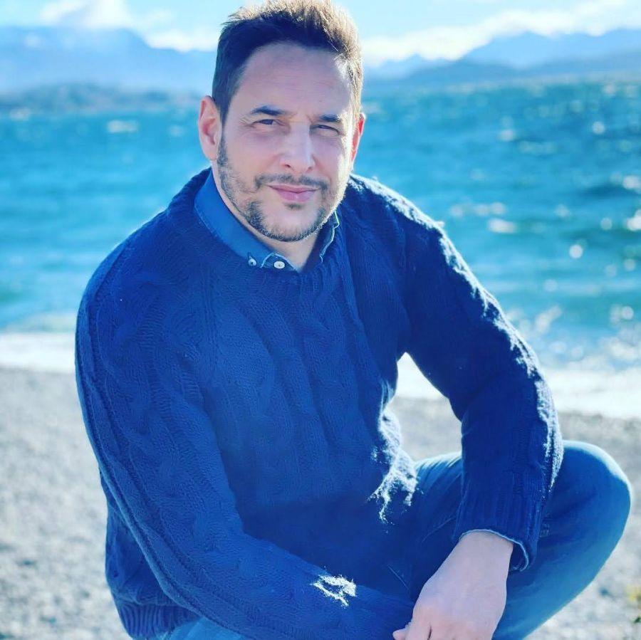 Las fotos de las vacaciones de Rodrigo Lussich y su marido en Bariloche