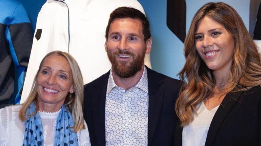 Messi junto a Giny Hilfiger y su hermana María Sol