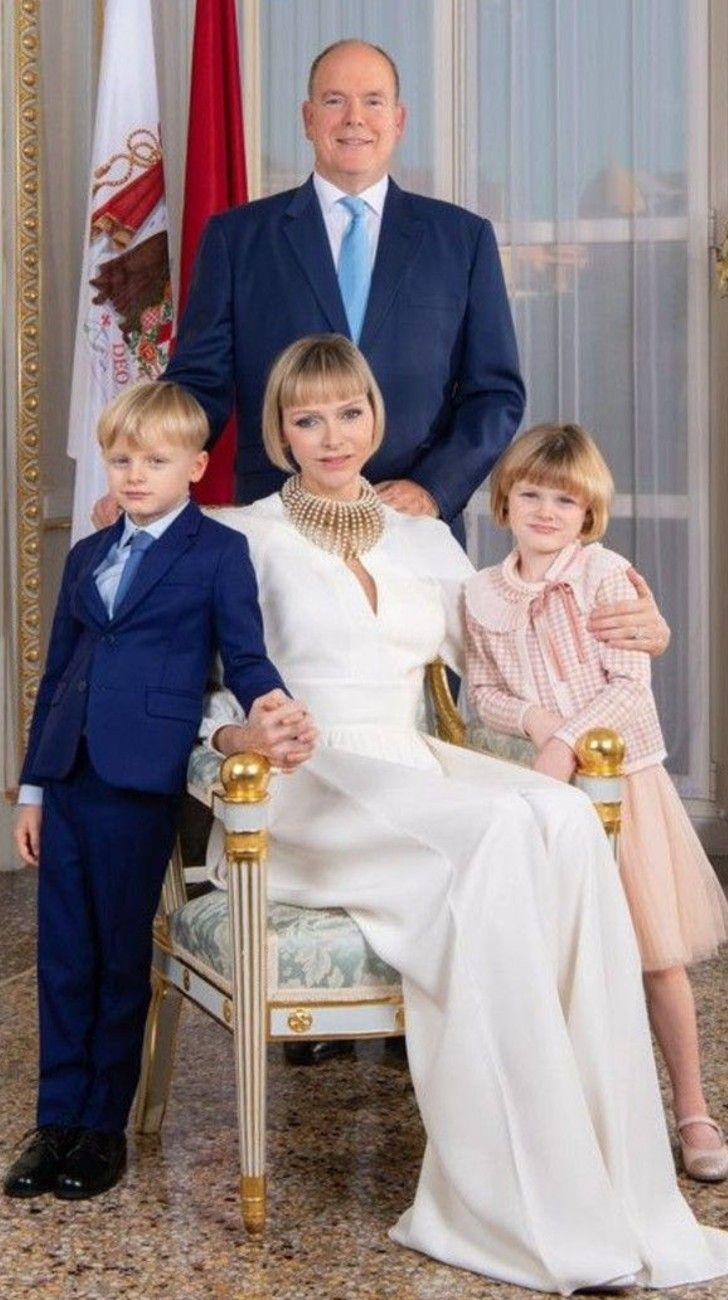 El nuevo parte médico de la princesaCharlene:no podrá regresar a Mónaco hasta fines de octubre